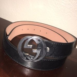 Black Gucci Belt (like new)